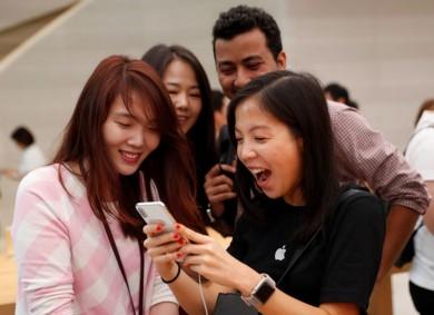(تصاویر) صف خرید آیفون ایکس در جهان