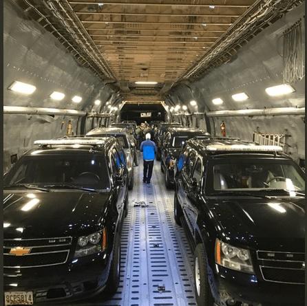(تصاویر) هواپیمای حامل ماشین ترامپ و تیلرسون