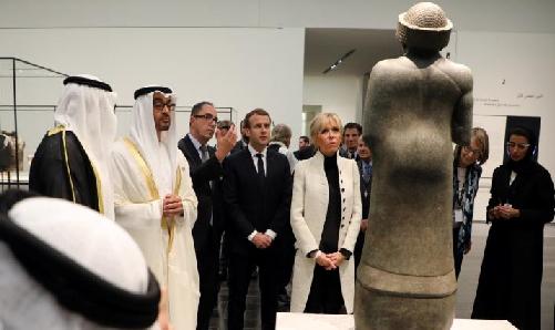 کمپین بینالمللی: آثار موزه لوور ابوظبی سرقتی است