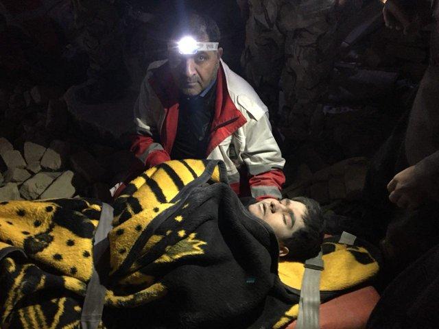 روایت عکاس جوان از زلزله کرمانشاه