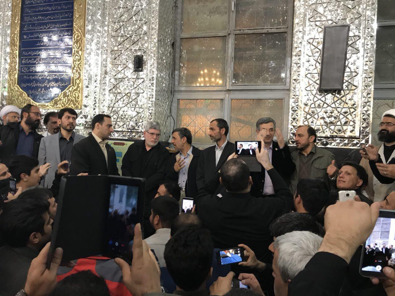 (تصویر) دیدار مجدد احمدینژاد با بقایی در بستنشینی