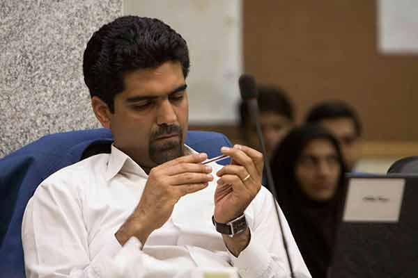 تبعات حقوقی و شرعی ممانعت از حضور نیکنام در شورای شهر یزد