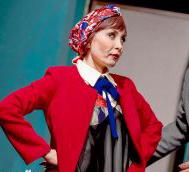 اعتراض به پوشش بازیگران زن در یک نمایش