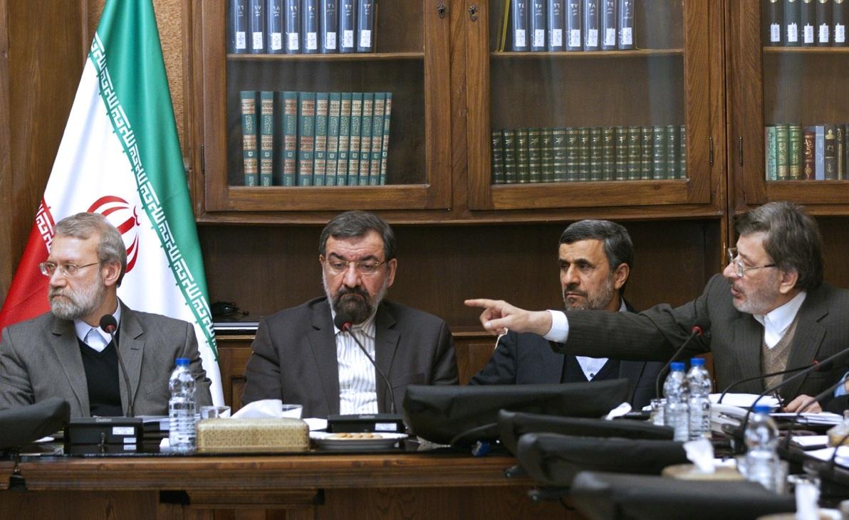 بررسی احتمال اخراج احمدی نژاد از مجمع تشخیص مصلحت