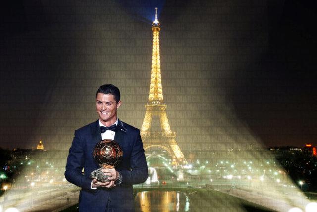 رونالدو امشب پنجمین توپ طلایش را کسب میکند