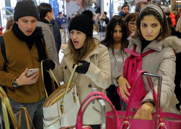 (تصاویر) جمعهسیاه معروف در فروشگاههای آمریکا
