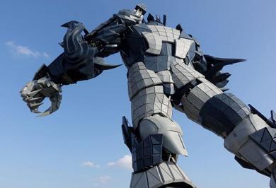 (تصاویر) رباتهای غولپیکر در پارک علمی تخیلی چین