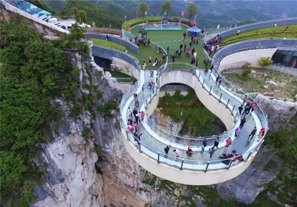 (تصاویر) افتتاح پل گردشگری جدید در چین