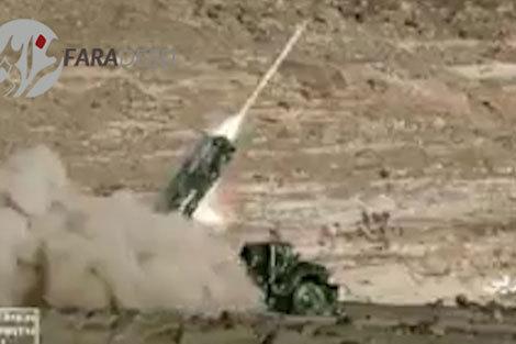 لحظه شلیک موشک یمنی به تاسیسات نفتی عربستان