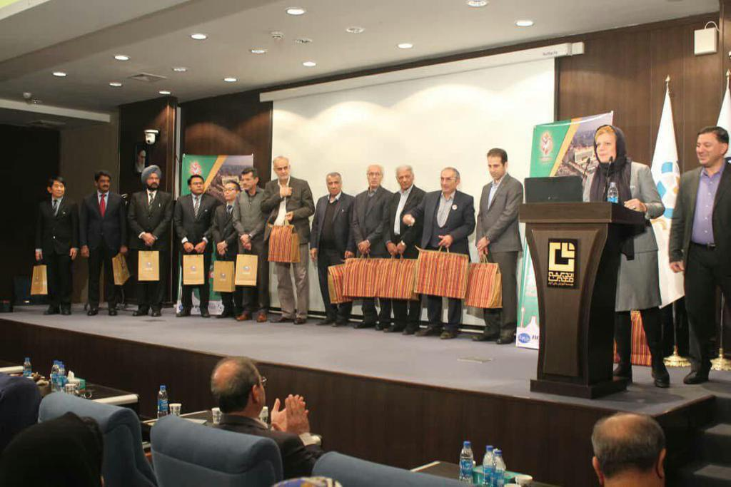 دومین کنگره بینالمللی فوتبال کلینیک به میزبانی ایرانمال آغاز شد