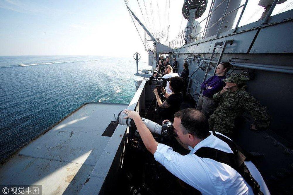 (تصویر) تصویربرداری آمریکاییها از قایق های تندرو سپاه