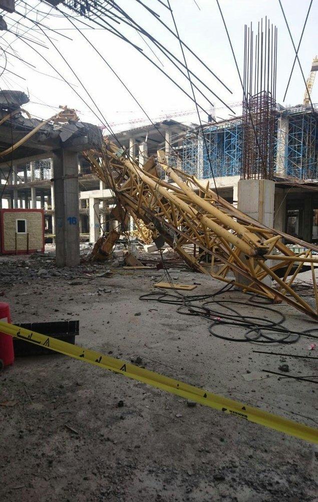(تصاویر) سقوط تاورکرین در جاده مخصوص کرج