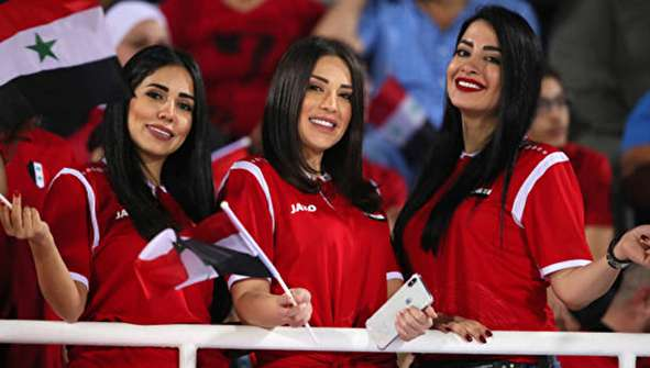 (تصاویر) غم و شادی دختران سوری در امارات
