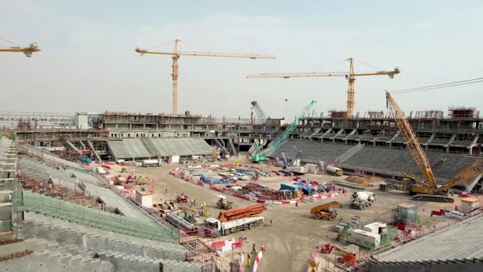 قطر برای آماده سازی زیر ساخت های جام جهانی نیاز مبرمی به خاک و سیمان دارد