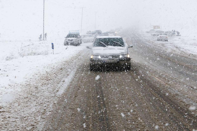 برف و کولاک در ۲۲ استان