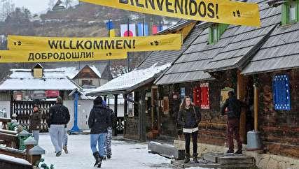 روستای کوستوریتسا؛ از خیابان فلینی تا میدان کیارستمی