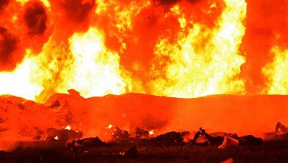 (تصاویر) فاجعه هولناک هنگام سرقت از لوله نفت
