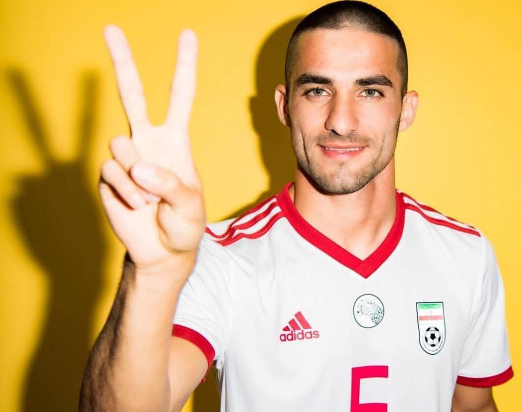 (تصاویر) خسارت میلاد محمدی به یک هوادار تیم ملی