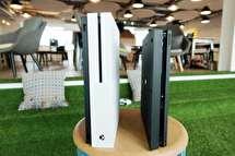 پنج دلیل برای برتری PS4 اسلیم بر Xbox One S