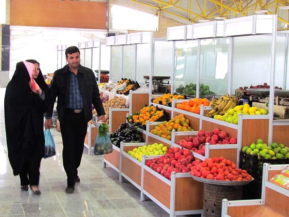 روی آوردن مردم به خرید میوههای درجه ۲