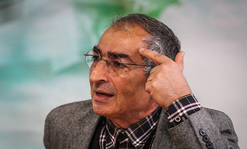 زیبا کلام: بهمن انقلاب به راه افتاده بود