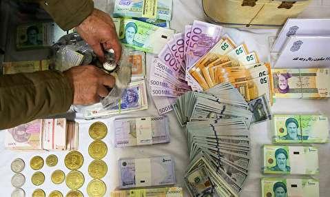 (تصاویر) دستگیری سارق ۴۵ میلیاردی منازل در اصفهان