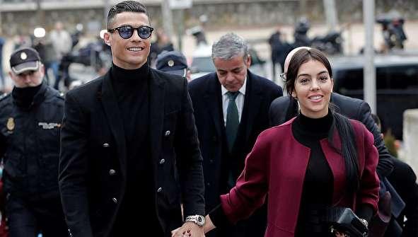 (تصاویر) چهره خندان رونالدو و نامزدش پس از محاکمه شدن!