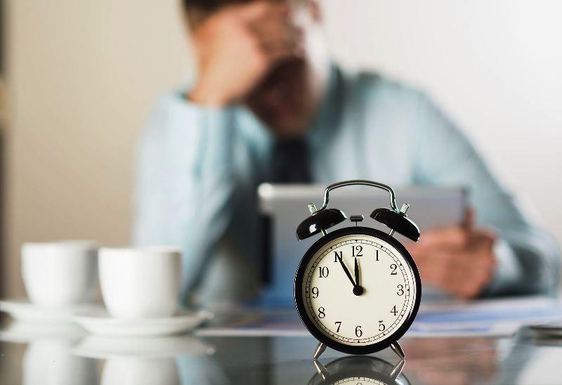 مقایسه ساعت کاری کارمندان ایرانی و خارجی