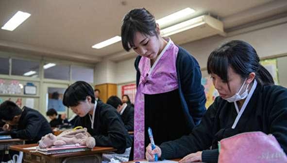 (تصاویر) مدارس کره شمالی در کشور دشمن!
