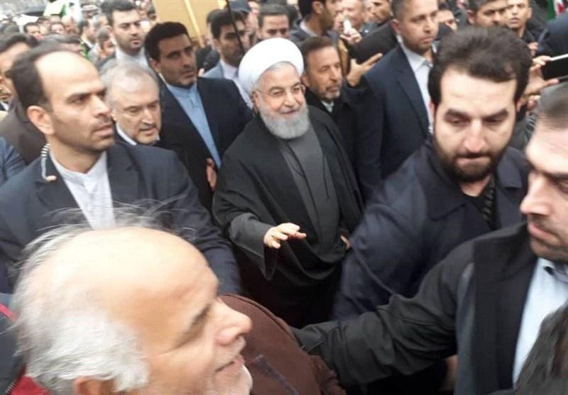 (ویدیو) حضور حسن روحانی در راهپیمایی