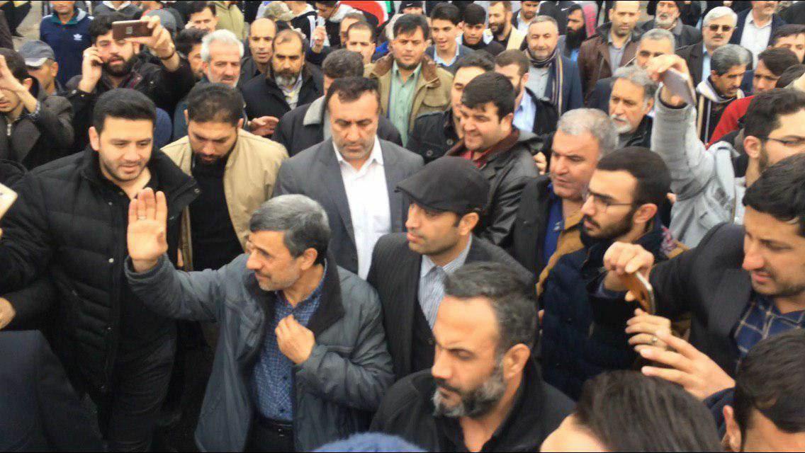 (تصویر) احمدی نژاد و رئیسی در راهپیمایی ۲۲ بهمن