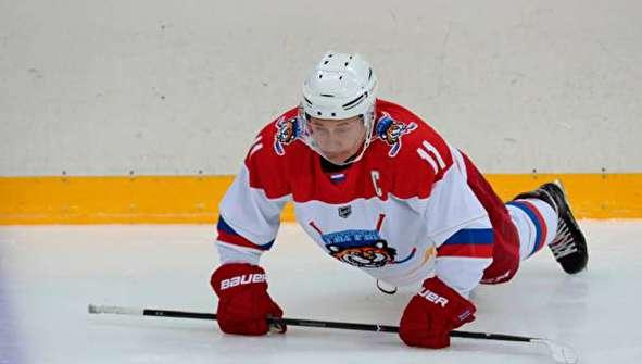 (تصاویر) پوتین و لوکاشنکو هاکی روی یخ بازی کردند