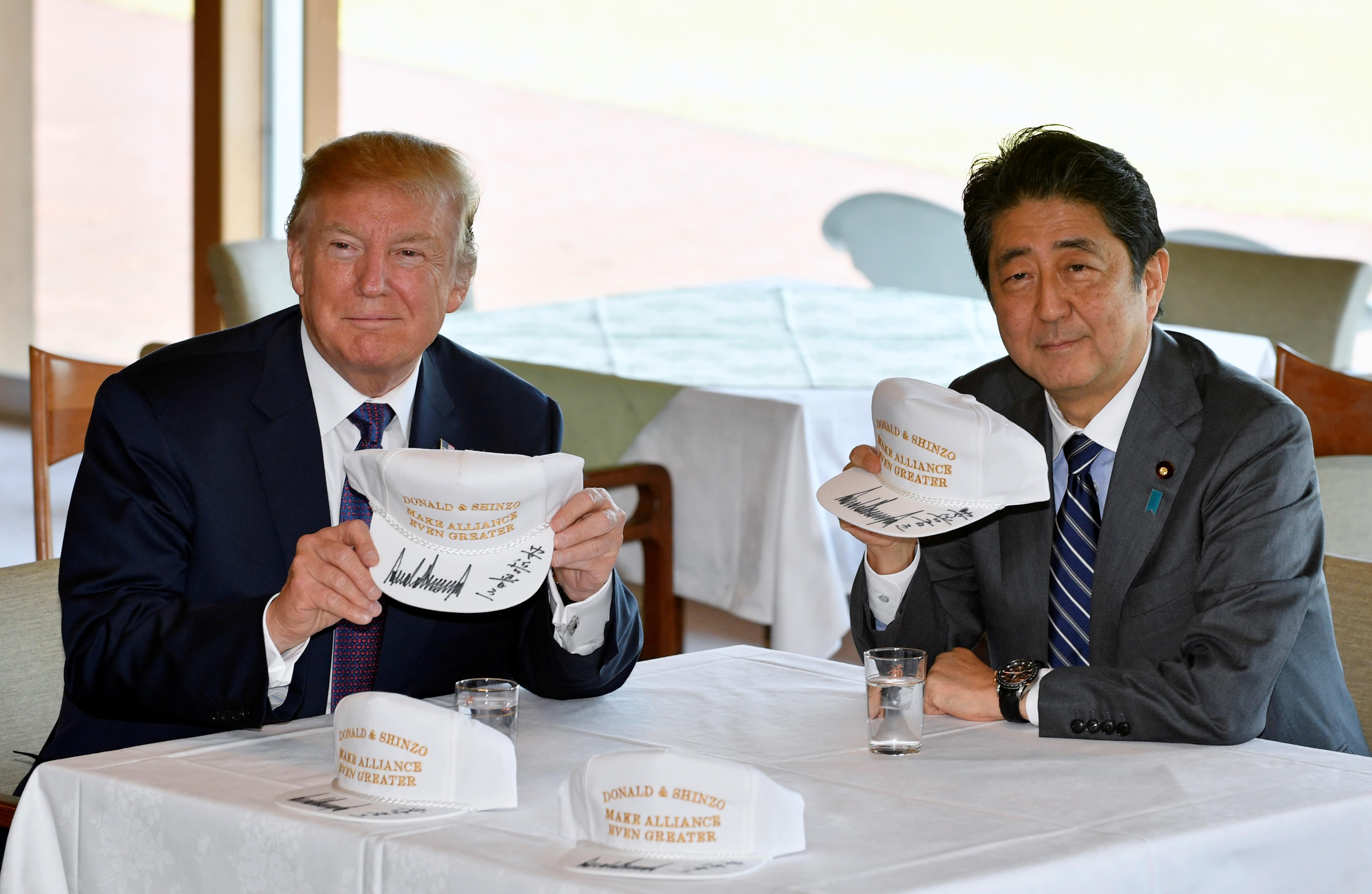 ترامپ و شینزو آبه