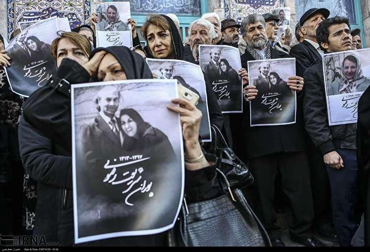 (تصاویر) متن و حاشیه تشییع پیکر پوران شریعت رضوی