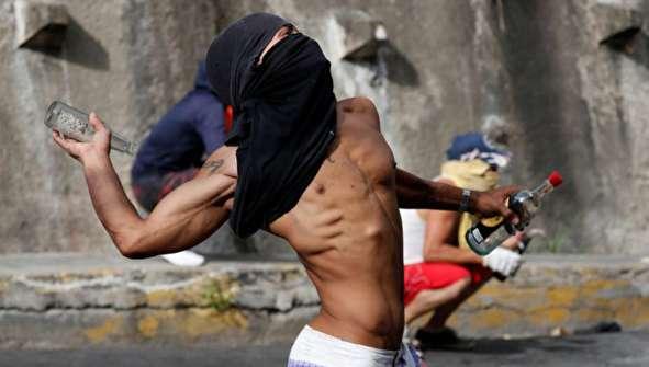 (تصاویر) شورش نافرجام علیه مادورو