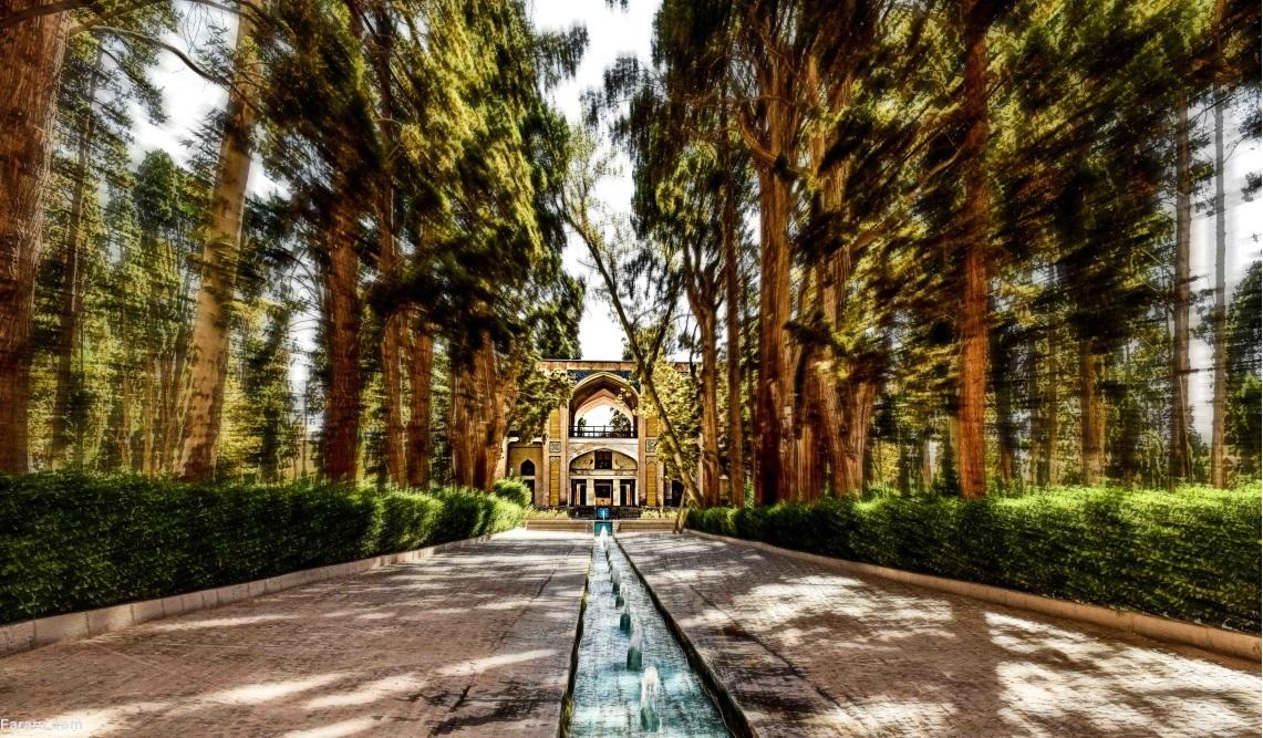 همه مکانهای دیدنی کاشان؛ شهر خانههای زیبا و  قتلگاه امیر کبیر!