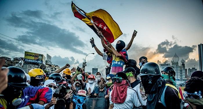 کودتا در ونزوئلا و تنش میان ایران، روسیه و آمریکا