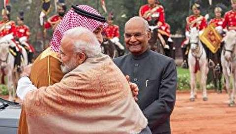 (تصاویر) استقبال خلاف عرف نخستوزیر هند از بنسلمان