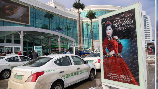 جنجال رانندگی زنان در ترکمنستان