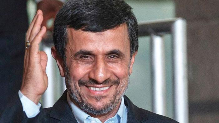 حاشیههای اقدام بیسابقه احمدینژاد