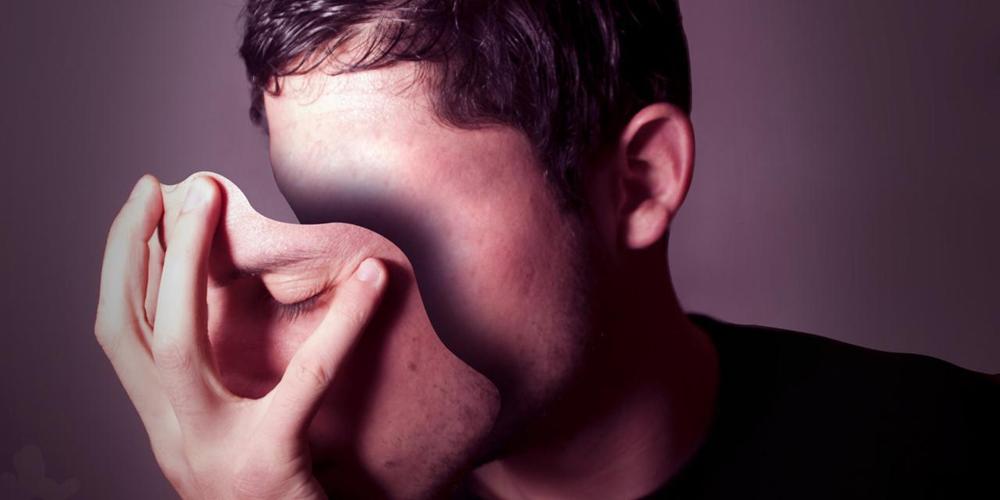 ۱۳ نشانه افراد ریاکار طبق آیات و روایات