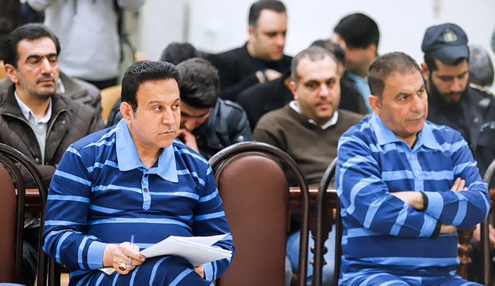 حسین هدایتی در چند نما؛ از روابط گرم با مداحان و فوتبالیستها تا پوشیدن لباس راه راه زندان/ چرا پدیده