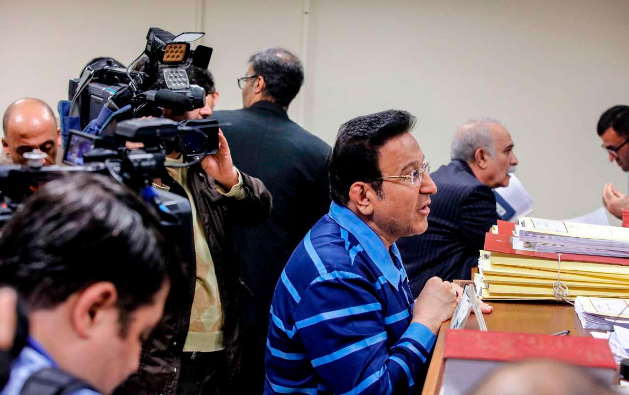 حسین هدایتی در دادگاه: در مقابل قانون سرم پایین است