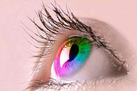 (ویدئو) ۱۰ ماده غذایی برای تغییر رنگ چشمتان!