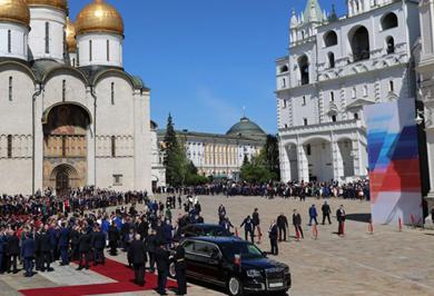(تصاویر) لیموزین پوتین در مراسم تحلیف