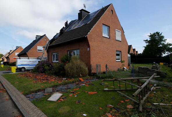 (تصاویر) خسارت توفان و گردباد کمسابقه در آلمان