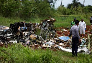 (تصاویر) فاجعه سقوط هواپیما در کوبا با ۱۱۱کشته
