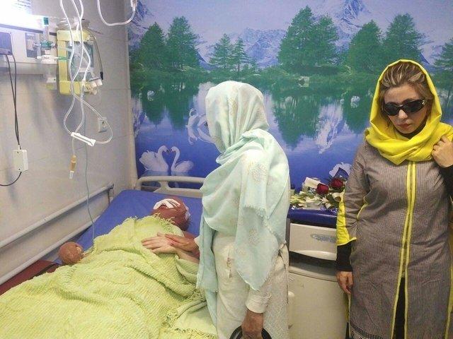 دیدار قربانیان اسید پاشی با معصومه جلیل پور