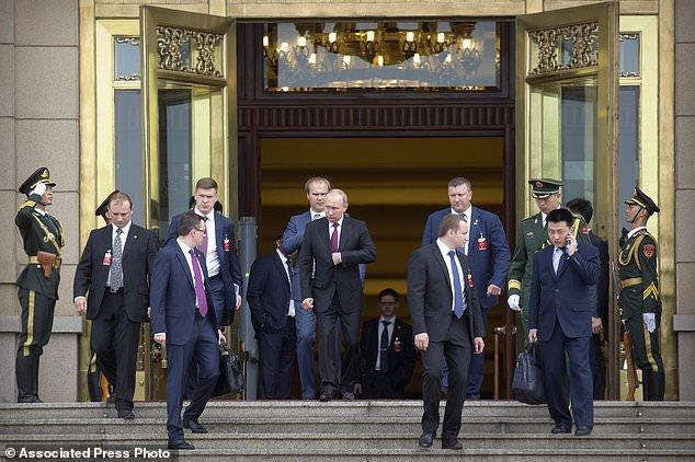 (تصاویر) سفر پوتین به چین