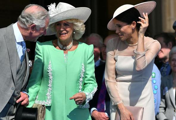 (تصاویر) اولین حضور سلطنتی شاهزاده هری و همسرش
